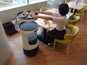 「ホテル京阪 京橋グランデ」配膳ロボットの活用で非接触オーダーバイキングを実現