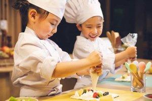 「星野リゾート リゾナーレトマム」、子供たちがパティシエを体験できるアクテビティ提供開始